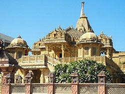 Джайнский храм в Харидваре