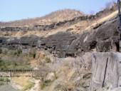 Аджанта, вид пещерных храмов