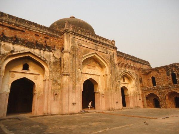 мечеть Khair-ul-Manazir