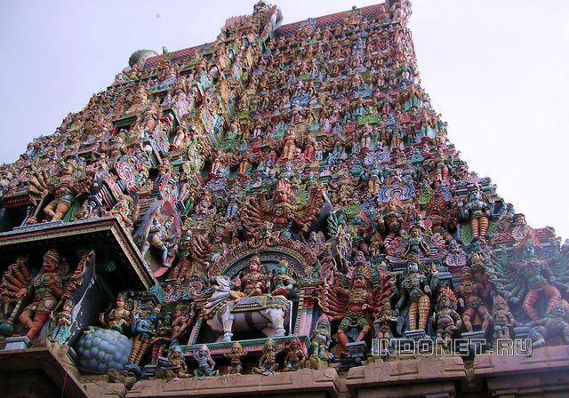 Гопурам храма Минакши сундарешвар, Мадураи, Тамил Наду