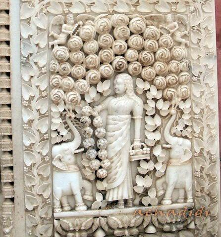 Дешнок. Мраморные рельефы храма. Карни Мата