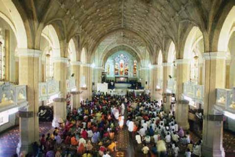 служба в церкви