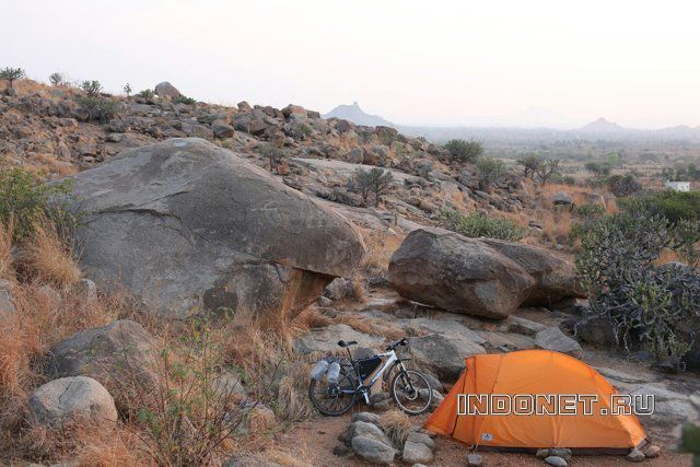 По Индии на велосипеде. Ночлег в палатке