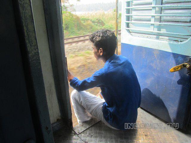 Мумбаи, электричка