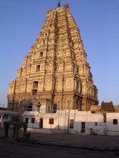 Хампи, гопурам храма Вирупакша