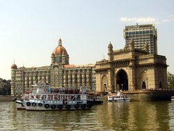 Мумбаи, Ворота Индии и Тадж махал