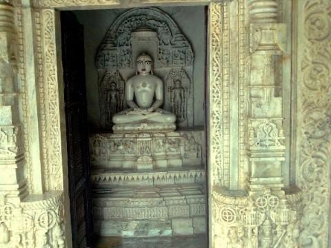 Храм Delwara