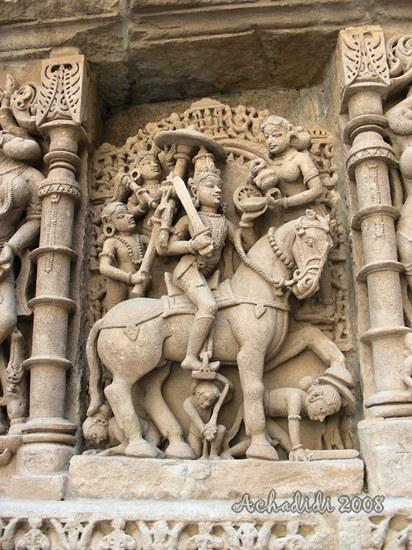 Фото скульптуры баоли Рани ки вав