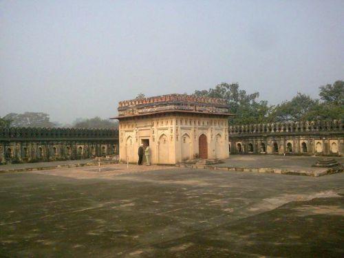 гробница Джамали Камали