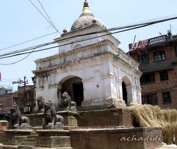Киртипур. Храм с колосьями