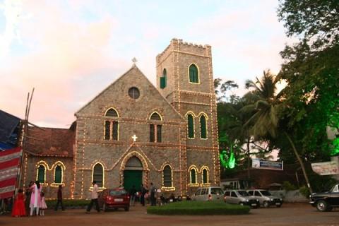 Mateer Memorial Church (1906), иллюминированная по случаю столетия