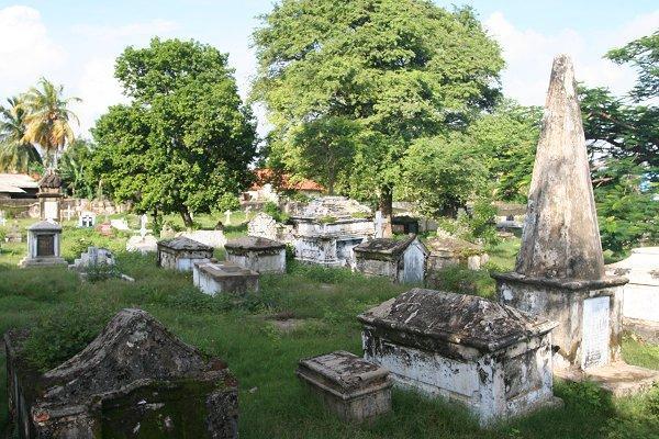 Памятники XVIII-XIX вв.на кладбище Св.Стефана