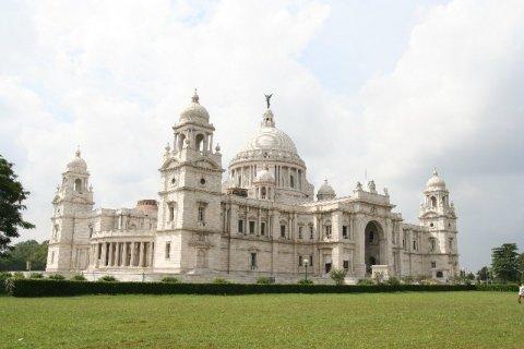 Мемориал Виктории - самая известная достопримечательность города